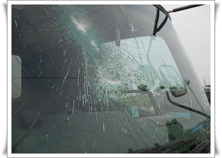 トラック破損 6月15日  2.jpg